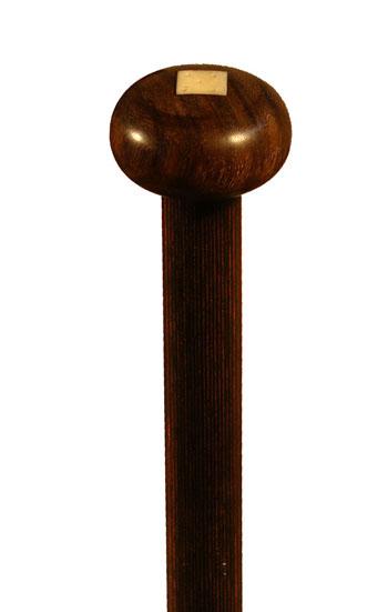 Gehstock DICES, edler Knaufgriff aus Ebenholz poliert, Horneinlage, Stock aus Staminaholz, im Stock 5 hochwertige Würfel aus Echthorn, Spitze aus Horn mit kleinem Gummi plus elegantem Gummipuffer. – Bild 1